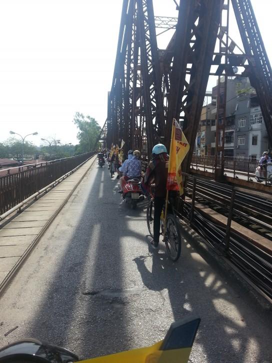 Avghotline - Truyền hình An Viên - AVG - qua cầu Long Biên